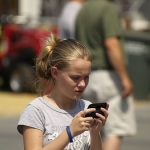 How To Text Like A Gentleman – 10 Texting Tips